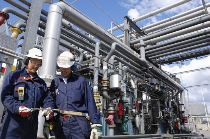 Wearables for Worker Safety in the Oil & Gas Industry
