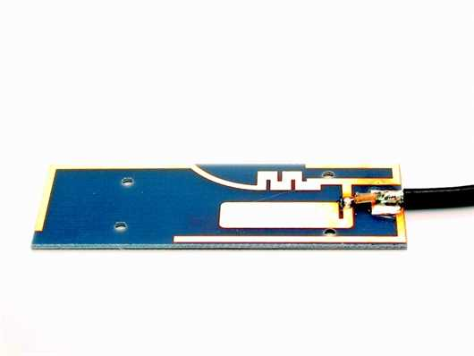 PCB Embedded Antenne mit 1 Kabel 2G/3G/Bluetooth/WiFi 2,4/
